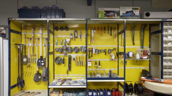 winkelstelling-etalage-perforatiebord
