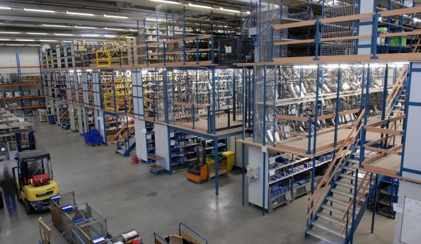 Vrijstaande vloer-vloer op stelling-etage bouw-grootvakstelling-tube50